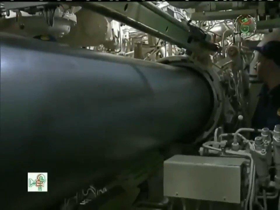 """阿尔及利亚海军636型""""基洛""""级潜艇在演习中试射""""俱乐部-S""""反"""