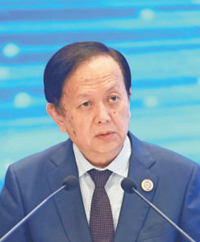 人民日报社社长李宝善:建设智慧社会 推动可持续发展