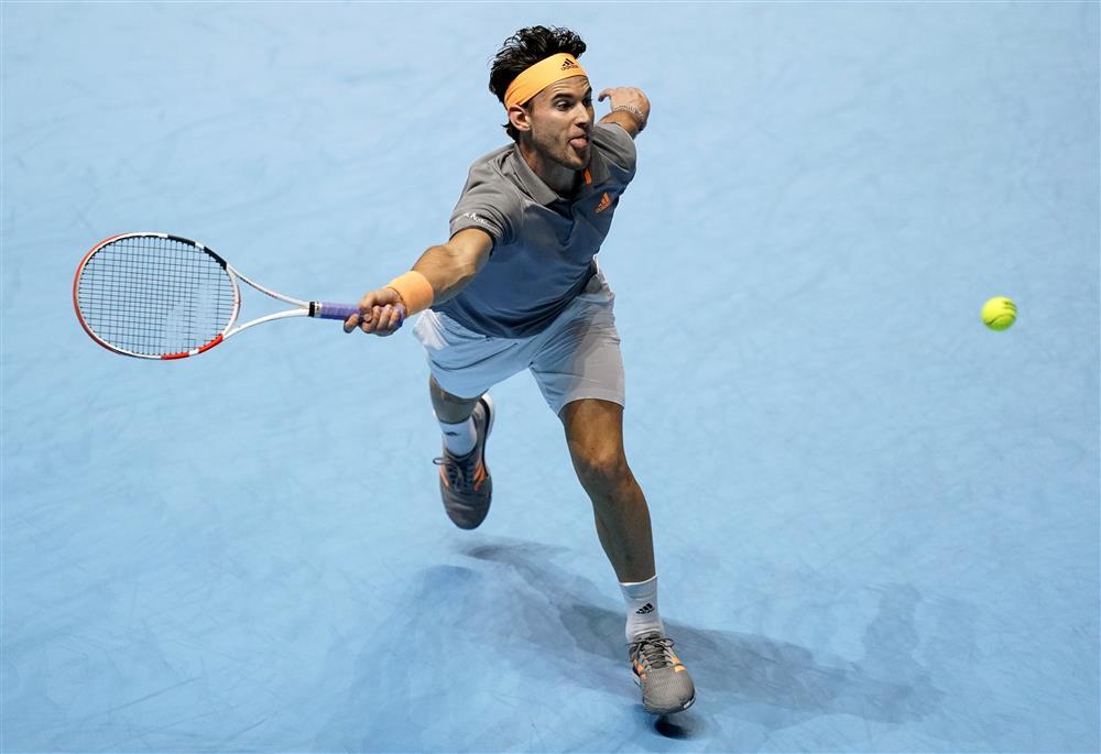 费德勒、纳达尔廉颇老矣,齐齐帕斯夺得ATP总决赛冠军,新生代强势冲击势不可挡!