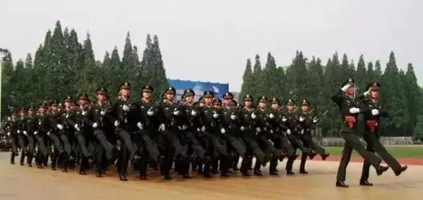 """本文图片均来自""""中国军网""""微信公众号"""