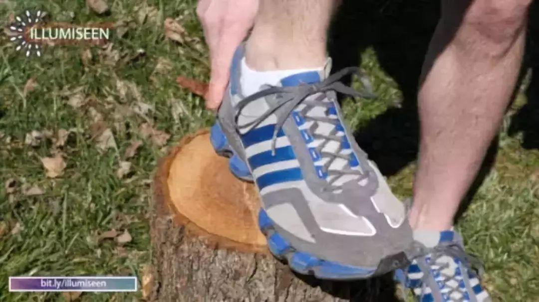 别绑错了!运动鞋上最后一个小孔,原来竟是这个用处……