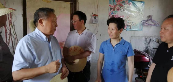 """中国人民大学副校长吴晓求走进余江,考察""""五七干校""""旧址"""