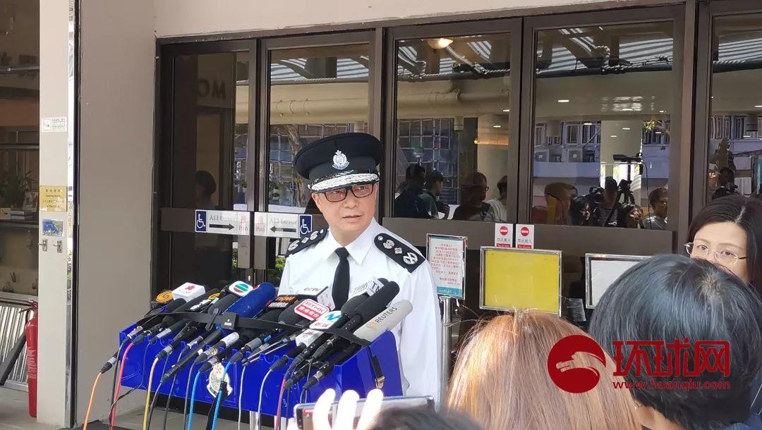 「kb88凯时国际娱乐」香港社区庆国庆升国旗,市民一早到场,升旗学生提前两周多次演练