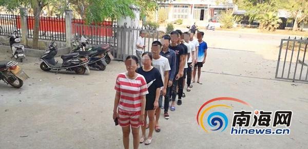 习近平给老挝中老友好农冰村小学全体师生回信