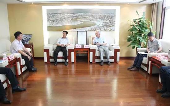 6月19日上午,朝鲜高丽航空商社代表韩革一行拜访省旅游发展委,就7月下旬即将开通的西安-朝鲜平壤国际航线一事进行交流。图片来源:陕西省旅游发展委员会