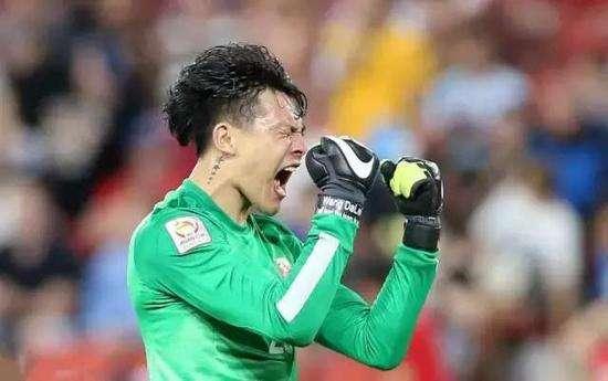 足球报:王大雷身上有伤,邹德海顶替入队参加东亚杯