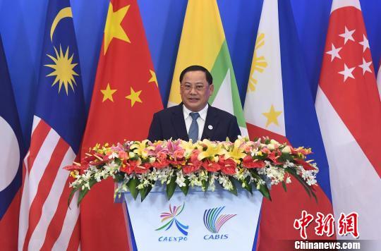 老挝副总理宋赛·西潘敦在第16届中国—东盟博览会、中国—东盟商务与投资峰会开幕式上致辞。 俞靖 摄
