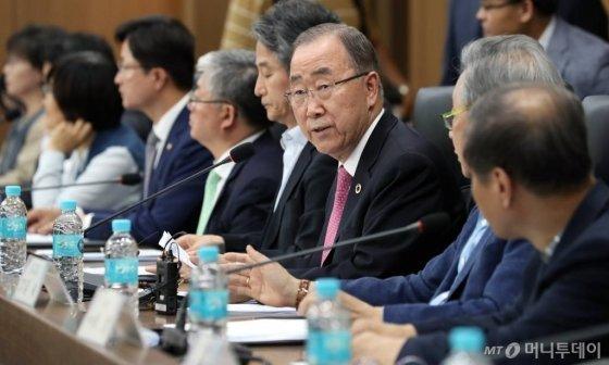 """潘基文称韩国被批为""""气候暴徒"""",44个城市入围百个雾霾城市榜"""