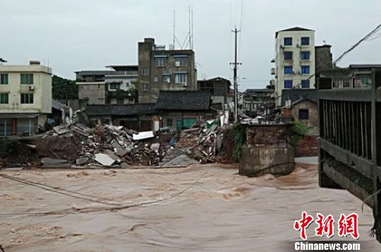 """四川乐山""""5·21""""特大暴雨 致7县51个乡镇受灾"""