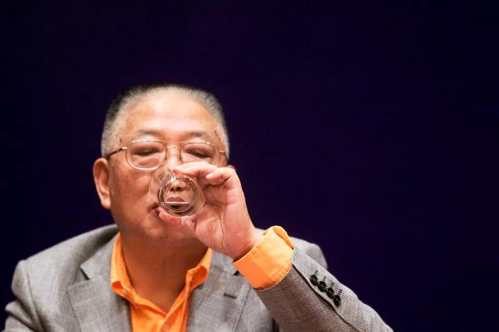 管金生从中国证券教父到被判刑17年 :没人来救你