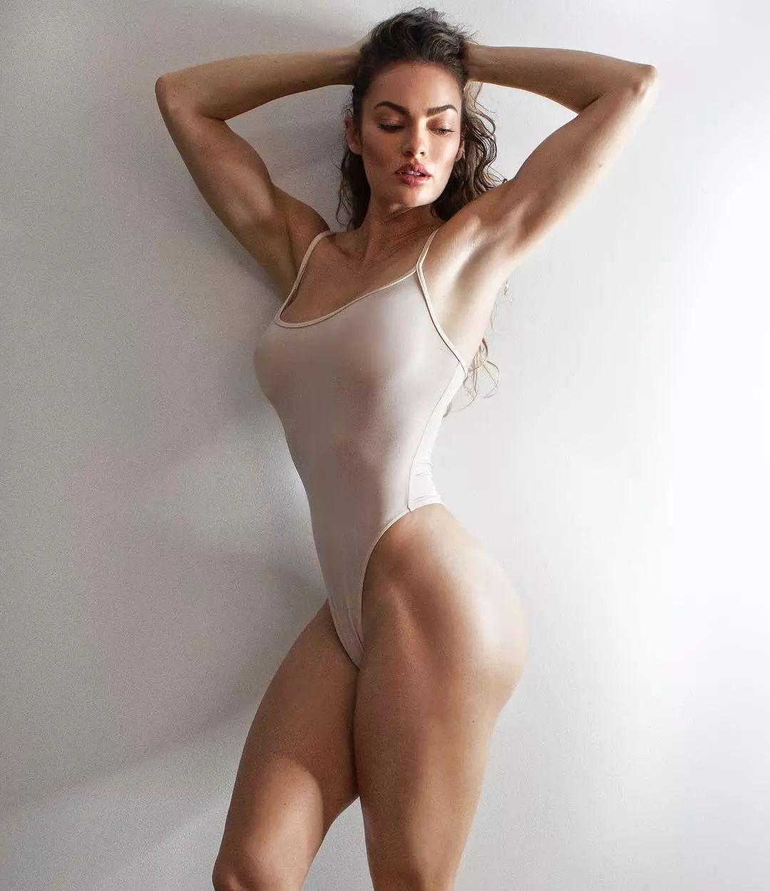 美女孕妇人体裸体_模特→孕妇→6块腹肌,为了好身材,这位美女拼了!