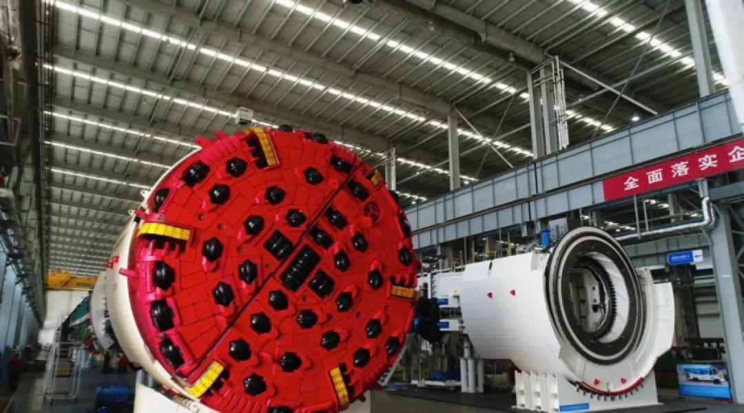 辽宁大连,全世界唯一一个能实现流水化作业的核压力容器生产工厂坐落在这里。
