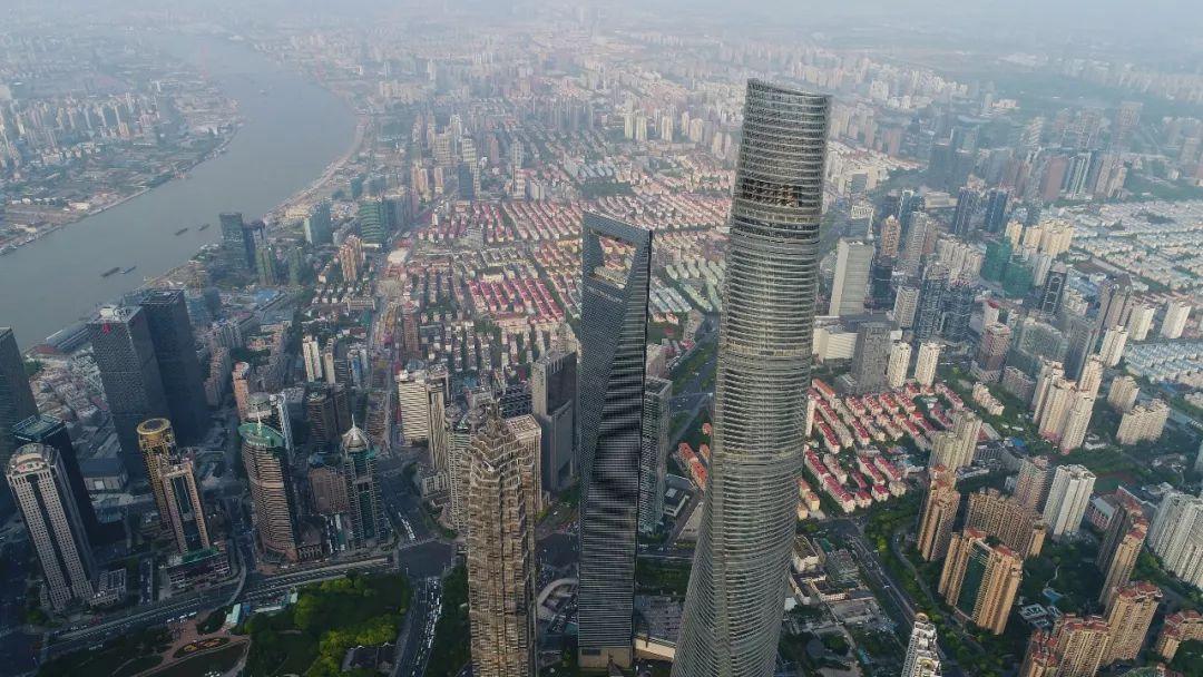 上海陆家嘴金融贸易区 新华社记者丁汀 摄