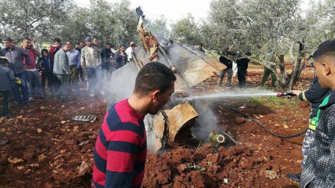 这个国家又见战机被击落 一名飞行员生命