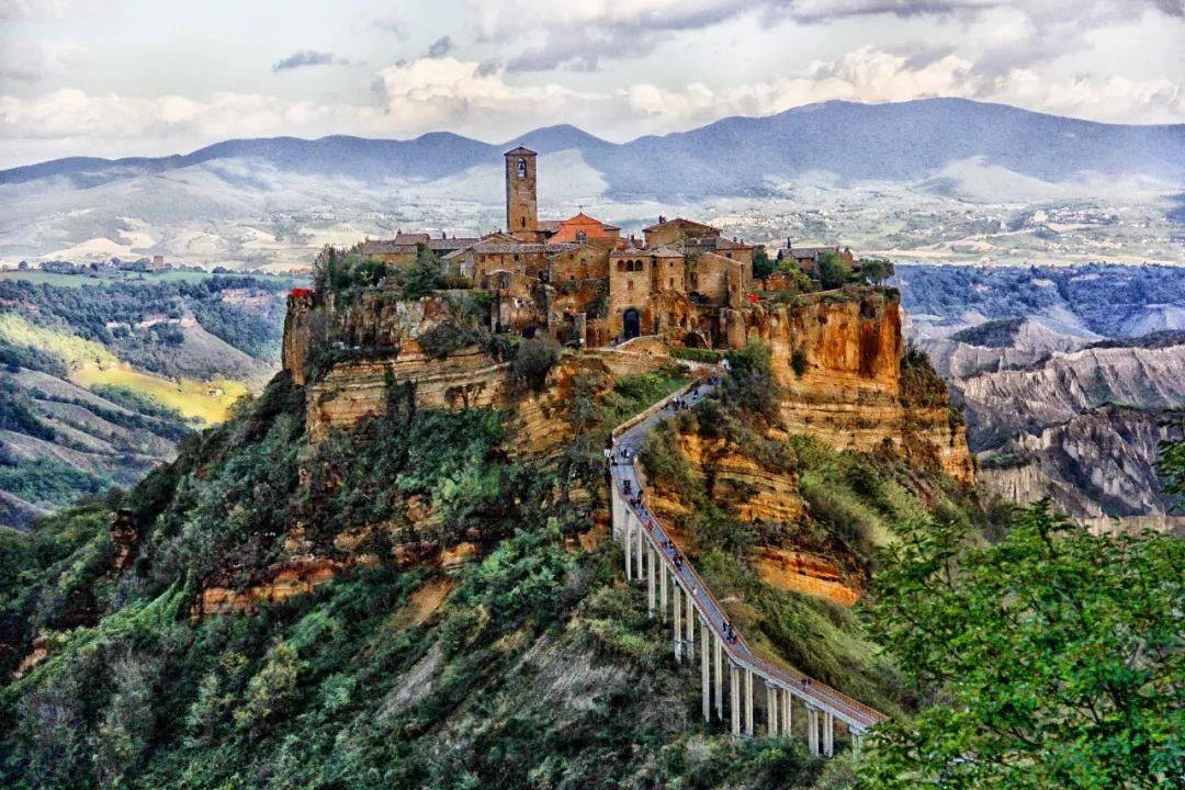 意大利小镇人口锐减 政府为吸引居民8块钱卖房