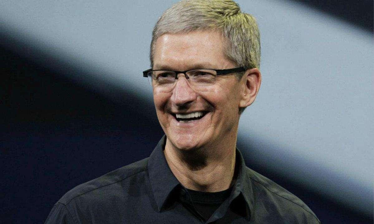 霍金去世苹果CEO库克发文缅怀:场面却很尴尬