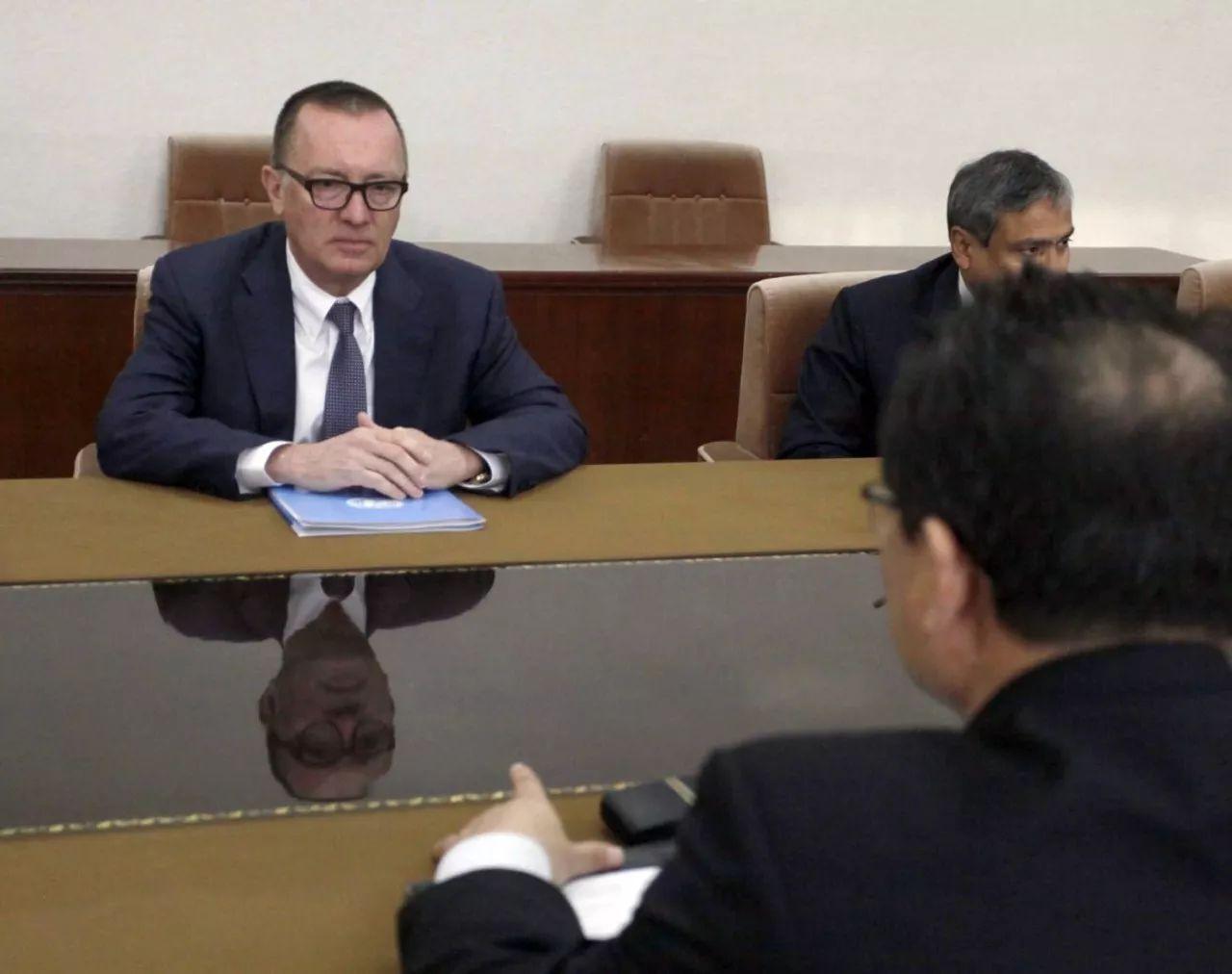 ▲联合国负责政治事务的副秘书长费尔特曼7日在平壤与朝鲜外务相李勇浩举行了会谈。(美联社)