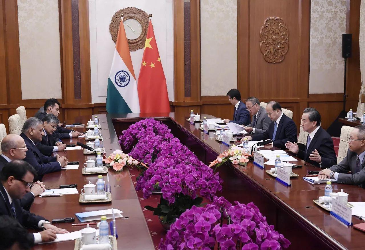 ▲资料图片:6月18日,外交部长王毅在北京会见来华出席金砖国家外长会晤的印度外交国务部长辛格。
