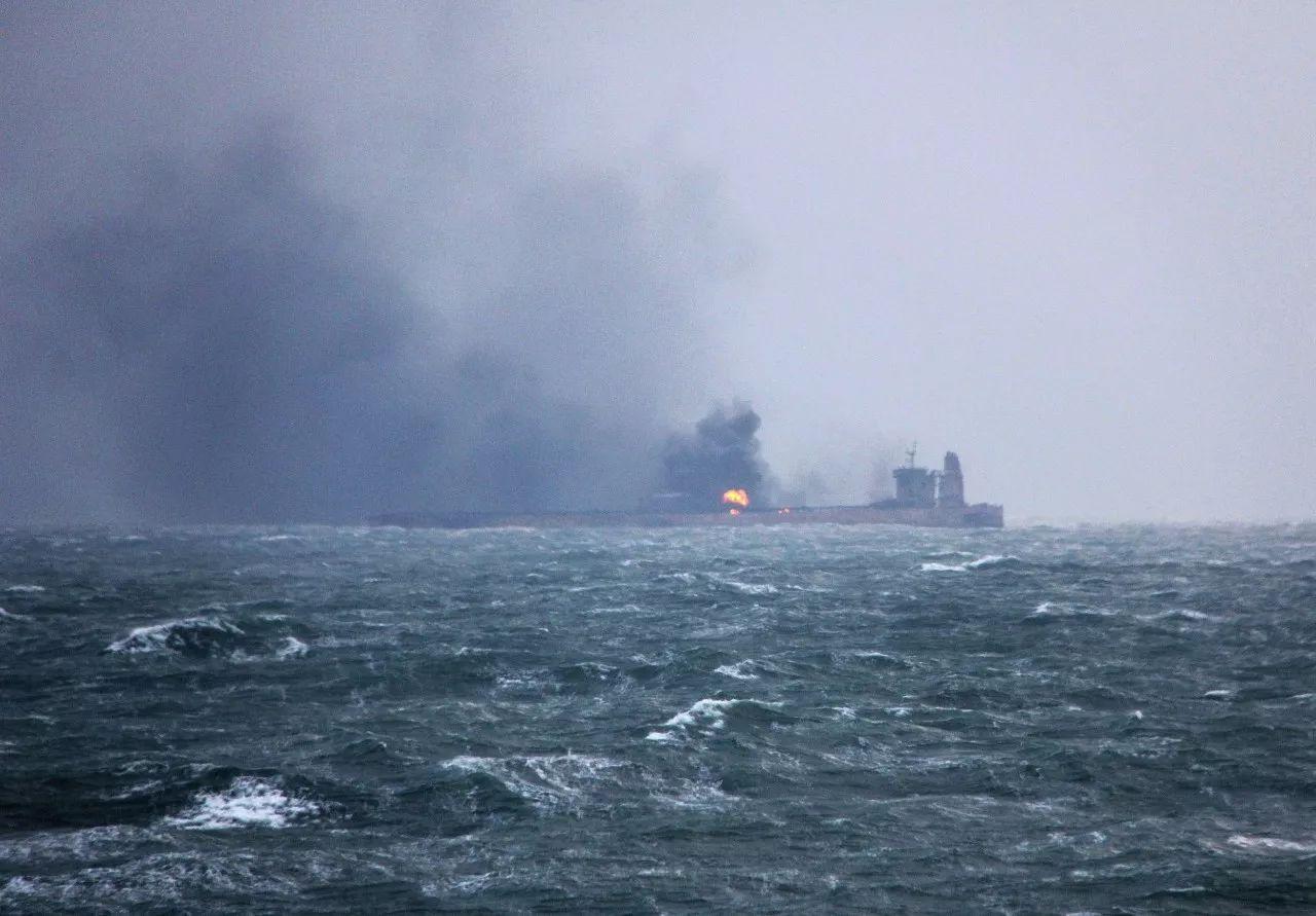 澳门赌博送98彩金:桑吉轮连烧7天或爆炸_13.6万吨油会不会污染东海?