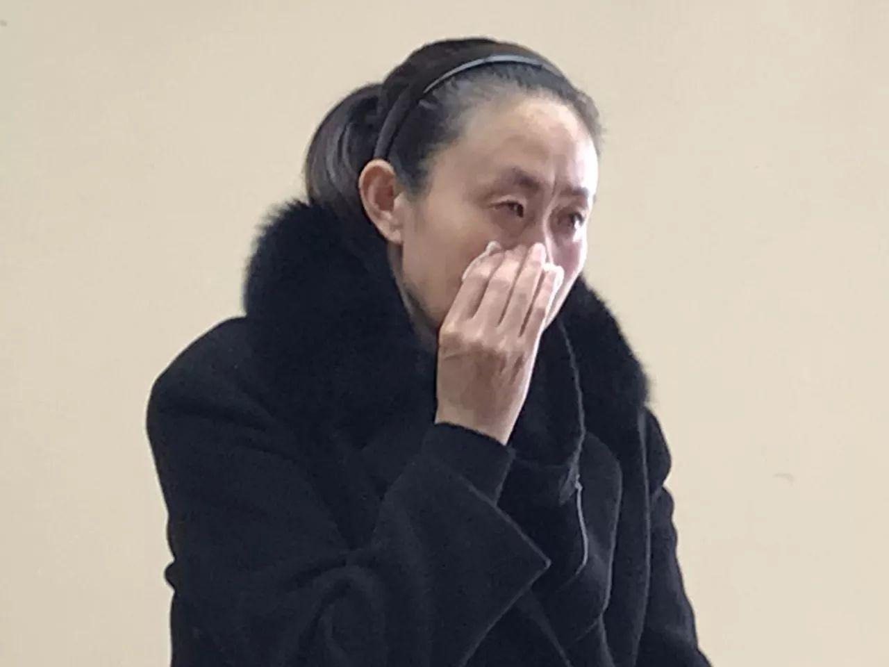 江秋莲接受采访。