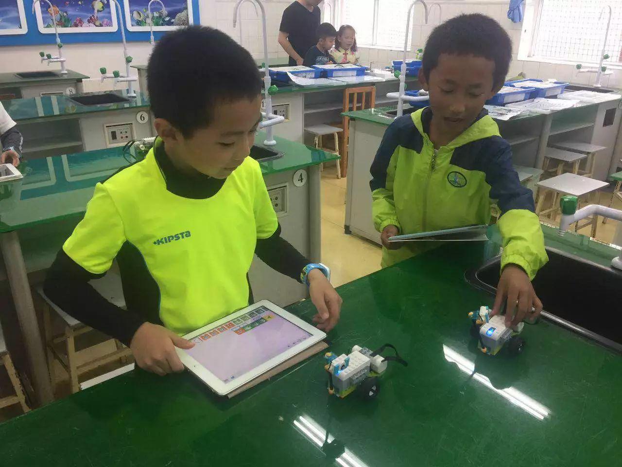 云南stem创客空间寒假机器人班招生啦