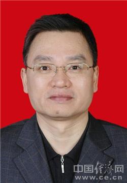 广东省侨办原党组书记曾庆荣被双开 违规打高尔夫球、搞钱色交易