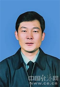 林玉成,男,1963年3月生,汉族,中共党员,在职研究生学历。