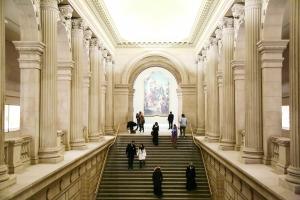 纽约大都会博物馆自愿付费吃不消