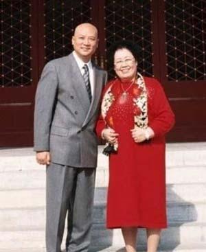 """《西游记》里的""""唐僧""""要变富翁了!他妻子的遗嘱要将大部分财产留给他"""