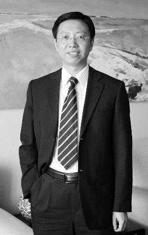 掌管华宝海外中国成长的QDII基金冠军 周欣