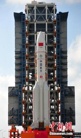 资料图:长征五号运载火箭。 孙浩 摄