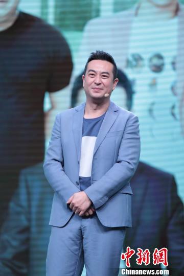 """张嘉译:与宋丹丹首演母子戏 无代沟且""""非常适应"""""""
