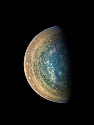 NASA发木星南极地区图像 色彩绚丽如异色