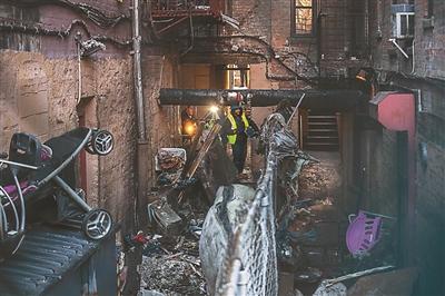3岁男孩玩火酿纽约最惨火灾