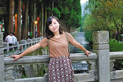 毛晶玥先后卧底十多个校园贷微信群,并将套路制成短片警示学生。受访者供图