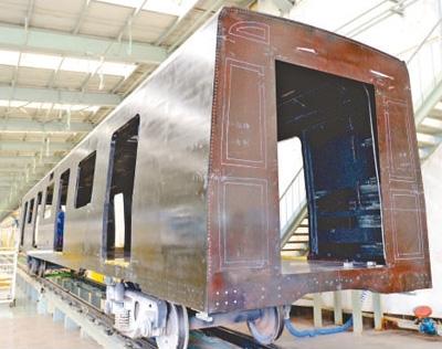 全碳纤维复合材料地铁车体亮相