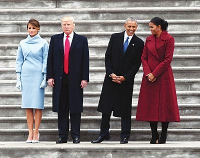 2017年奥巴马夫妇与特朗普夫妇在白宫合影。