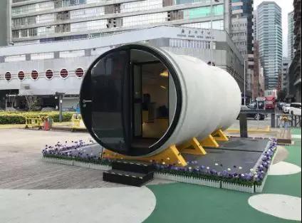 """香港街头现""""水管屋"""",11平能住2人,带装修只要10万"""
