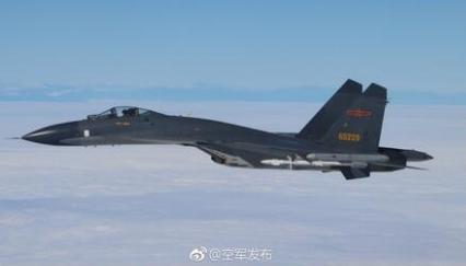 """中国空军实施""""绕岛巡航""""等训练"""