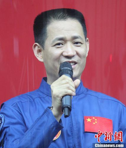 天地英雄 解码飞天——访曾进驻太空的中国航天员