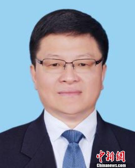 资料图:图为新当选的甘肃省监察委员会主任刘昌林。 钟欣 摄