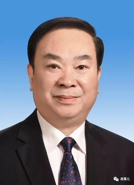 中央政治局委员、中央书记处书记,中宣部部长黄坤明