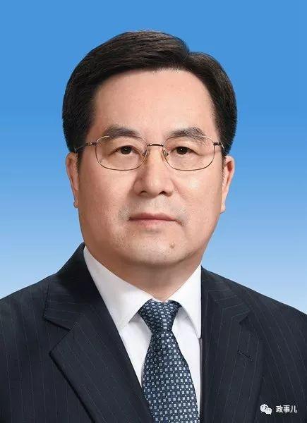 中央政治局委员、中央书记处书记,中央办公厅主任丁薛祥