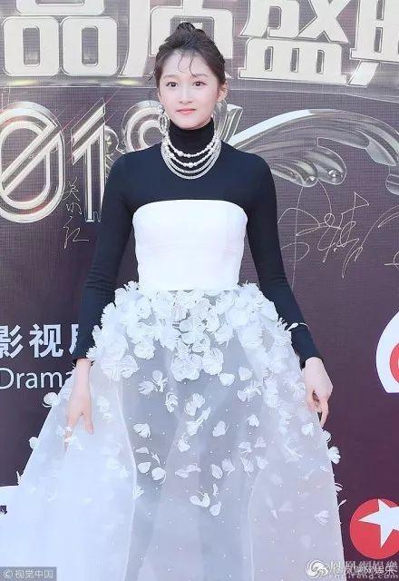 关晓彤和陈志朋,中国时尚圈的两座高峰啊!