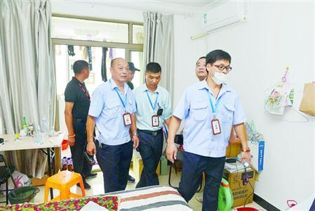 张江群租房治理:严管二房东 正规公司收房可获补贴