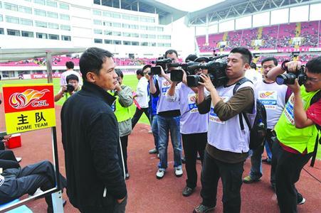 申花和申鑫,都把洋帅的继任者确定为上海本地教练。 /晨报记者 顾力华 资料图片
