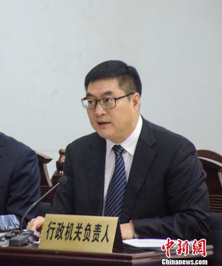 北海市市长李延强出庭应诉 翟李强 摄