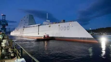 """▲资料图片:美驱逐舰进驻日本,新型""""朱姆沃尔特""""级驱逐舰具备隐身性能。"""