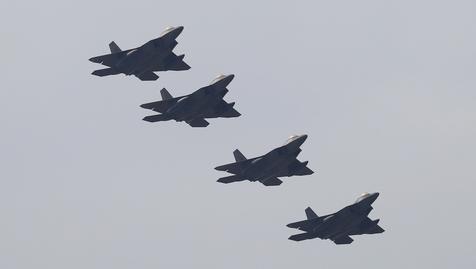 图为参加美韩联合演习的美军F-22猛禽战斗机。(来源:韩联社)