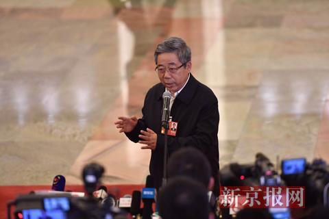 教育部部长陈宝生回答记者提问。新京报记者 陶冉 摄